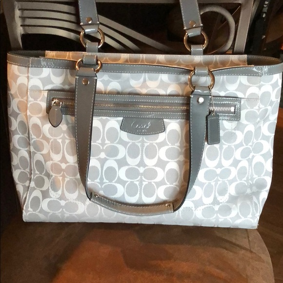 Coach Handbags - COACH handbag Auth!